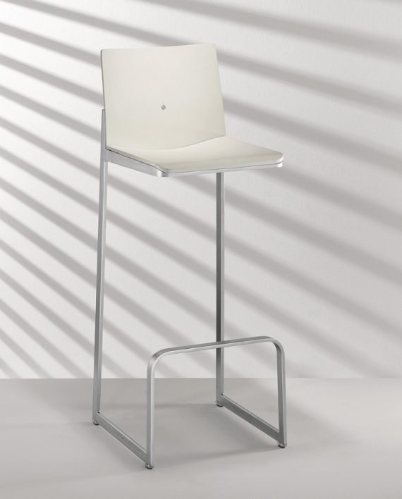 D 16-4 Bar Stool – Hulsta 1