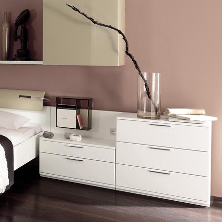 la-vela-ii-bedside-table-hulsta-1